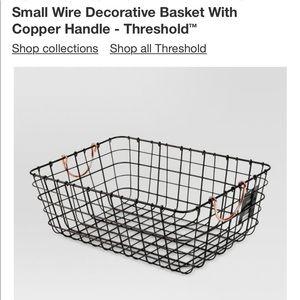 Threshold small write rectangular wire baskets